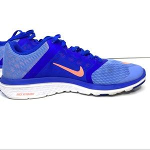 Nike women's lite size  8.5
